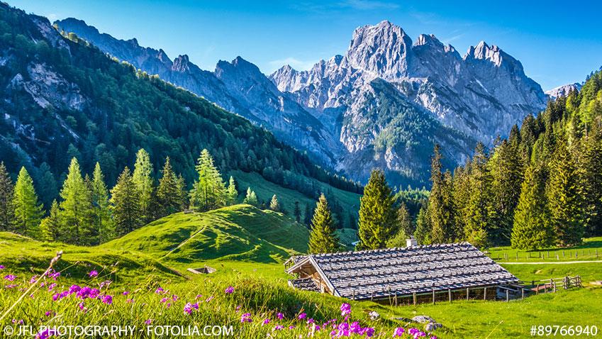 Berchtesgadner Land mit Blick auf die Alpen